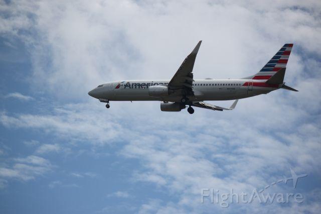 """Boeing 737-800 (N809NN) - Please view in """"Full"""""""