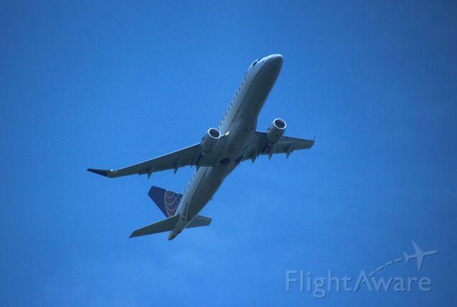 Embraer 170/175 (N86324)