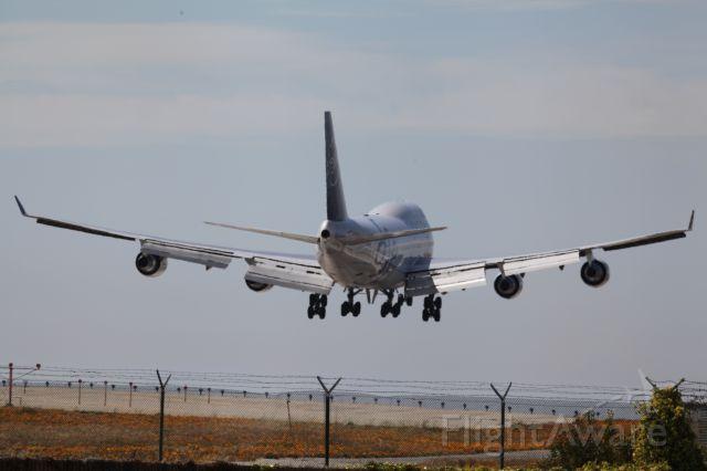 Boeing 747-400 (B-18206) - BEFORE LANDING