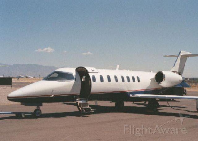 Learjet 45 (N800UA)