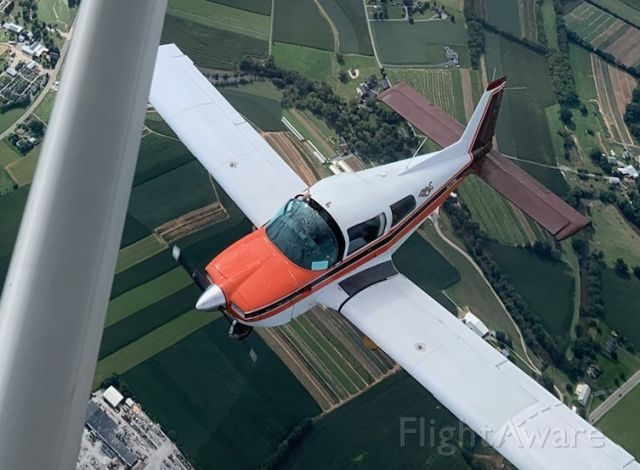 N379NL — - In Formation Over Lancaster County