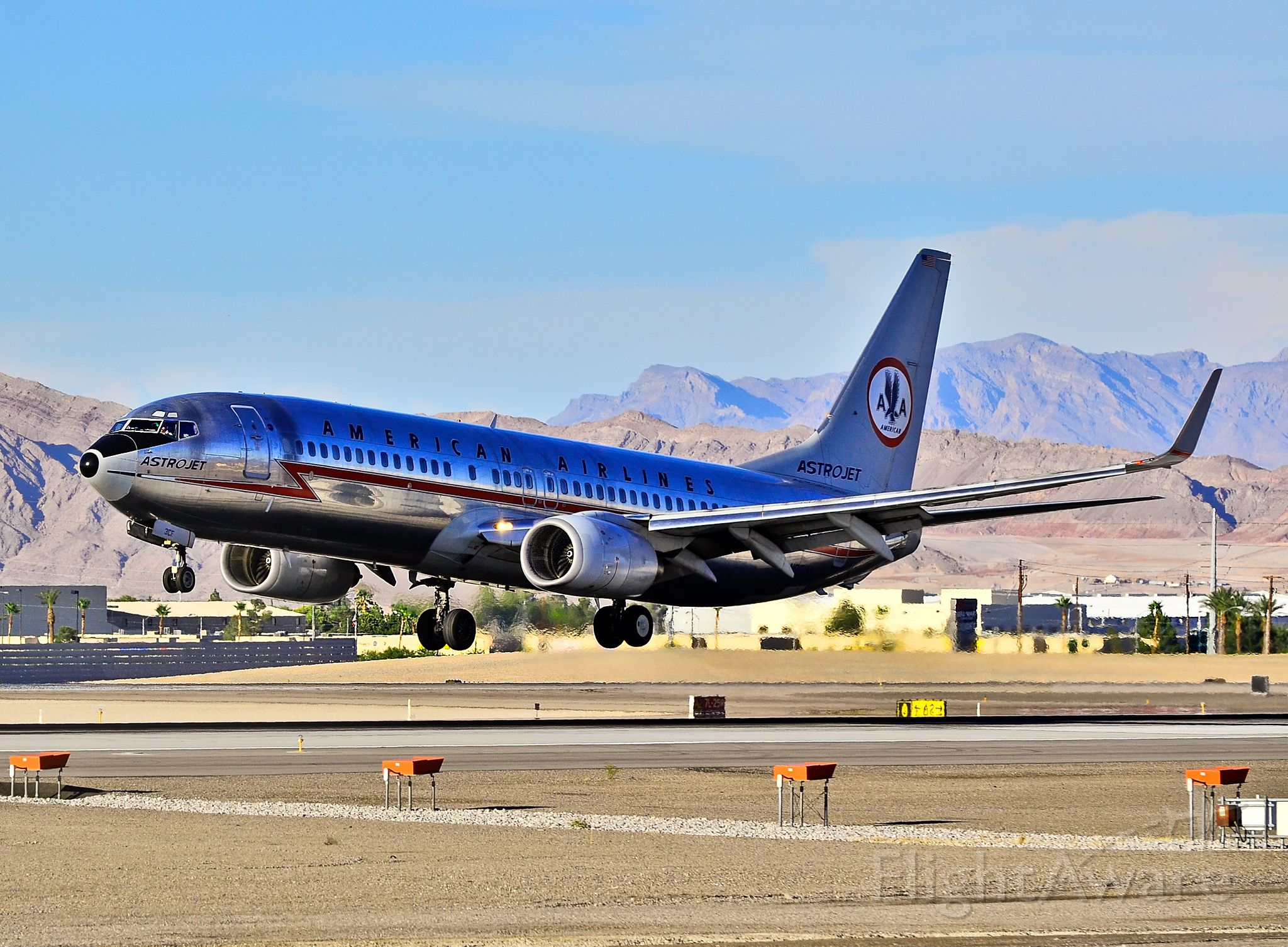 Boeing 737-800 (N951AA) - N951AA American Airlines 2000 Boeing 737-823 / 3CF (cn 29538/720)  Las Vegas - McCarran International (LAS / KLAS) USA - Nevada, August 02, 2012 Photo: Tomás Del Coro