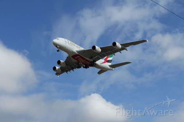 Airbus A380-800 (A6-EDW) - On finals to LHR
