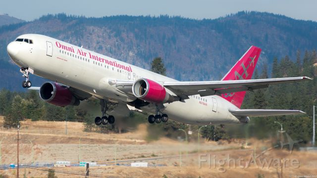 BOEING 767-300 (N378AX)