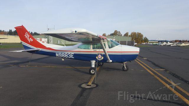 Cessna Skylane (N9883E)
