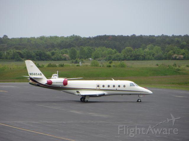 IAI Gulfstream G150 (N565AB)