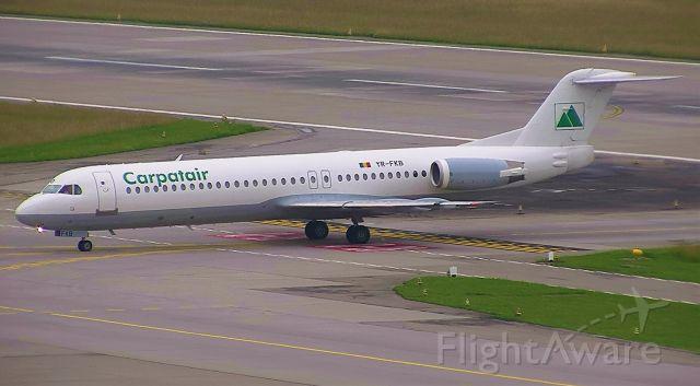 Fokker 100 (YR-FKB)