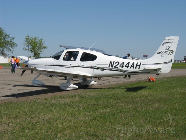 Cirrus SR-22 (N244AH) - www.kregaxn.webs.com