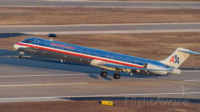 McDonnell Douglas MD-83 (N966TW) - Lifting off from 18L at sunrise<br />11/17/18