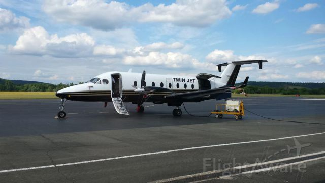 Beechcraft 1900 — - Flight T7 5011 : from Périgueux (Périgord, France) to Paris Orly (409km - 1h20).  16JUNE2015.