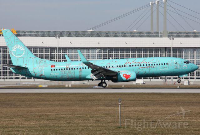 Boeing 737-800 (TC-SUZ)