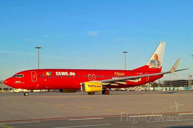 Boeing 737-800 (D-AHFZ)