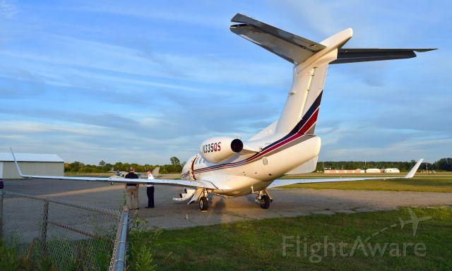 Embraer Phenom 300 (N335QS) - Embraer Phenom 300 N335QS in Ann Arbor