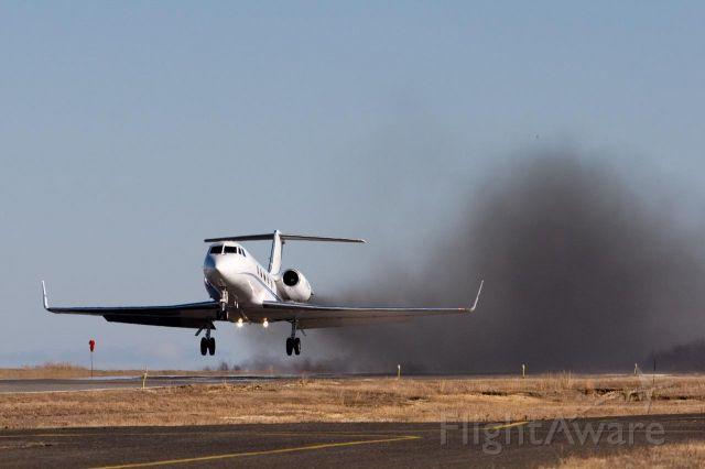 Gulfstream American Gulfstream 2 (N17KJ) - Unijet 17 blowing some nice GII smoke!