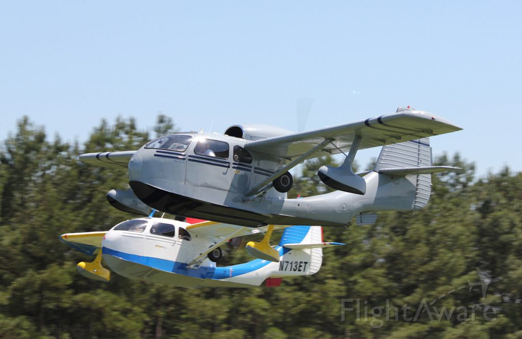 — — - Republic Seabees departing at Triple Tree Aerodrome
