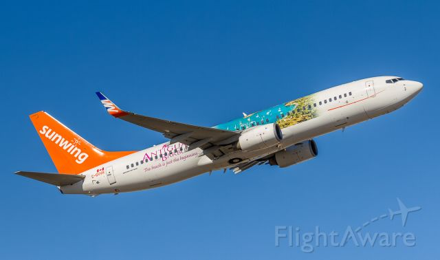 Boeing 737-800 (C-GVVH) - Sunwing 511 off to Cancun
