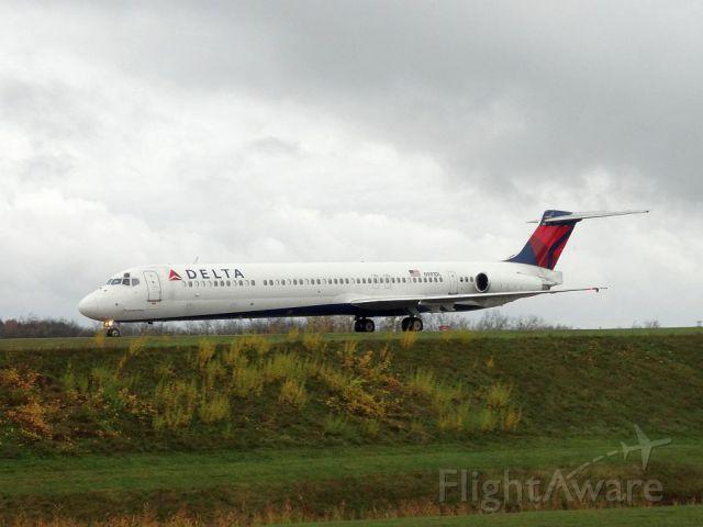 McDonnell Douglas MD-88 (N981DL)
