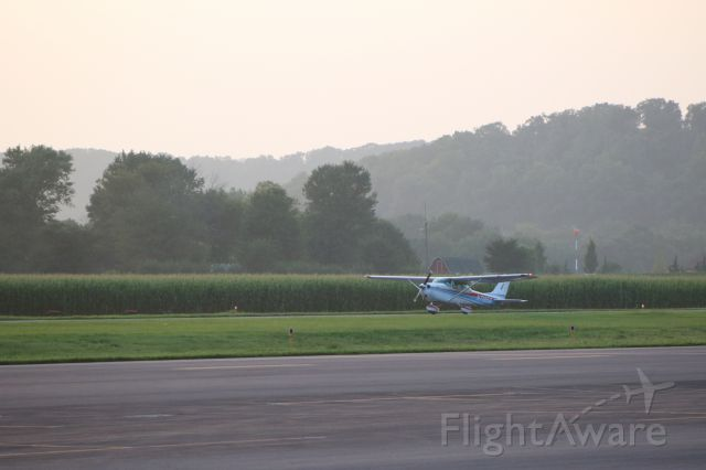 Cessna Skyhawk (N7185G) - N7185G departing RW 17 @ KSEG.