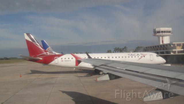 Embraer ERJ-190 (N935TA)