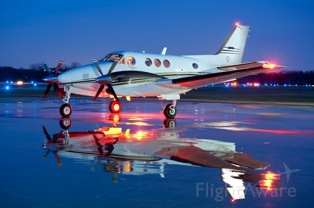Beechcraft King Air 90 (N417SH)