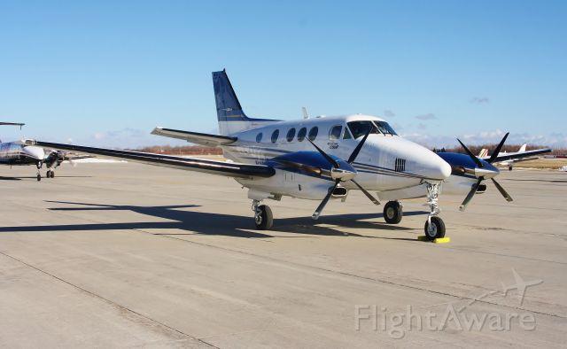 Beechcraft King Air 90 (N127ZW)