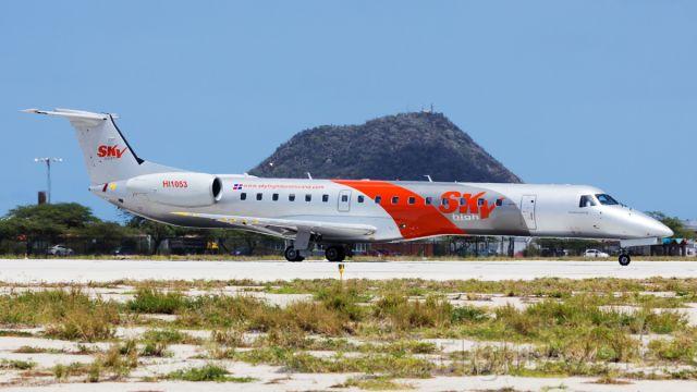 Embraer ERJ-145 (HI1053) - Lining up on RWY11