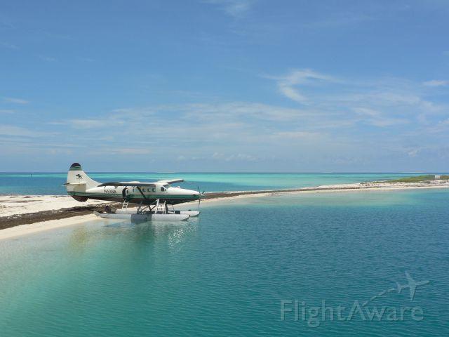 De Havilland Canada Twin Otter (N435B) - Float plane on Dry Tortugas off the Florida Keys