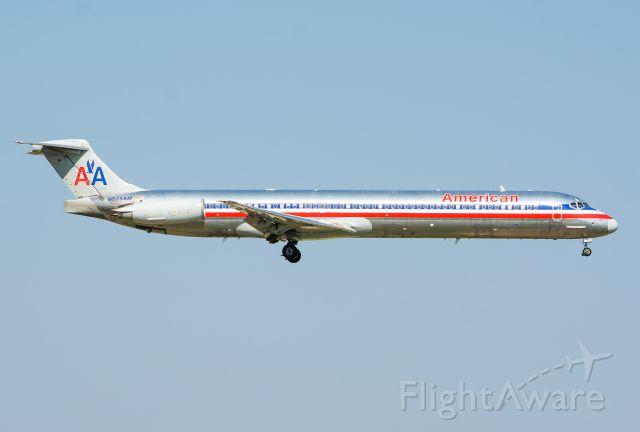McDonnell Douglas MD-80 (N575AM) - 07/28/2015 American N575AM MD-80 KDFW