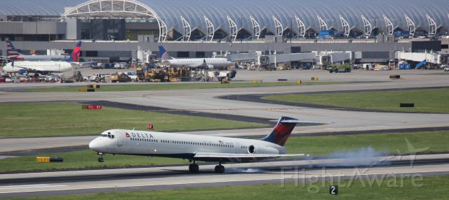 McDonnell Douglas MD-88 (N900DE) - Farewell Mad Dog, DAL88 landing as the last revenue MD88 service with Delta.