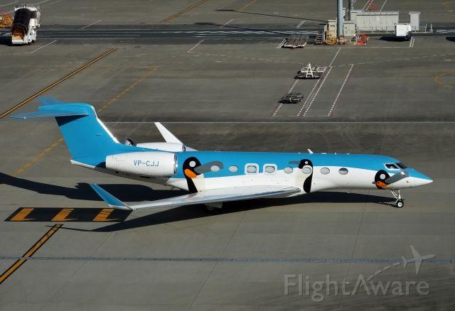 Gulfstream Aerospace Gulfstream G650 (VP-CJJ) - Superb Fly Ltd Hong Kong<br />Taxing at HND (2017/12/20)