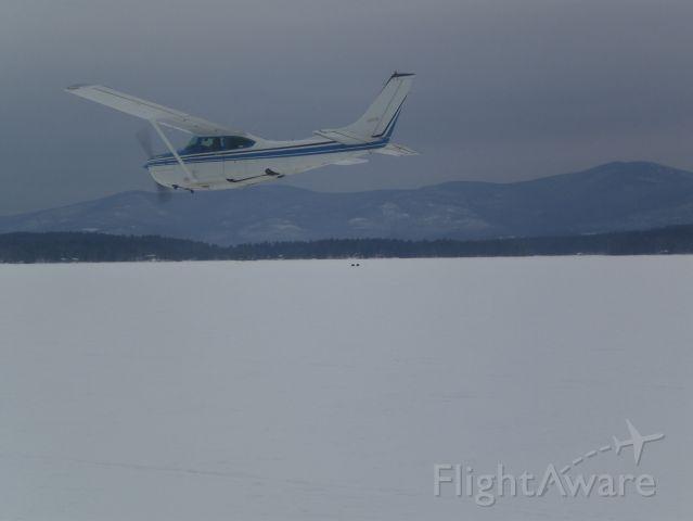 Cessna Skylane (N6157S)