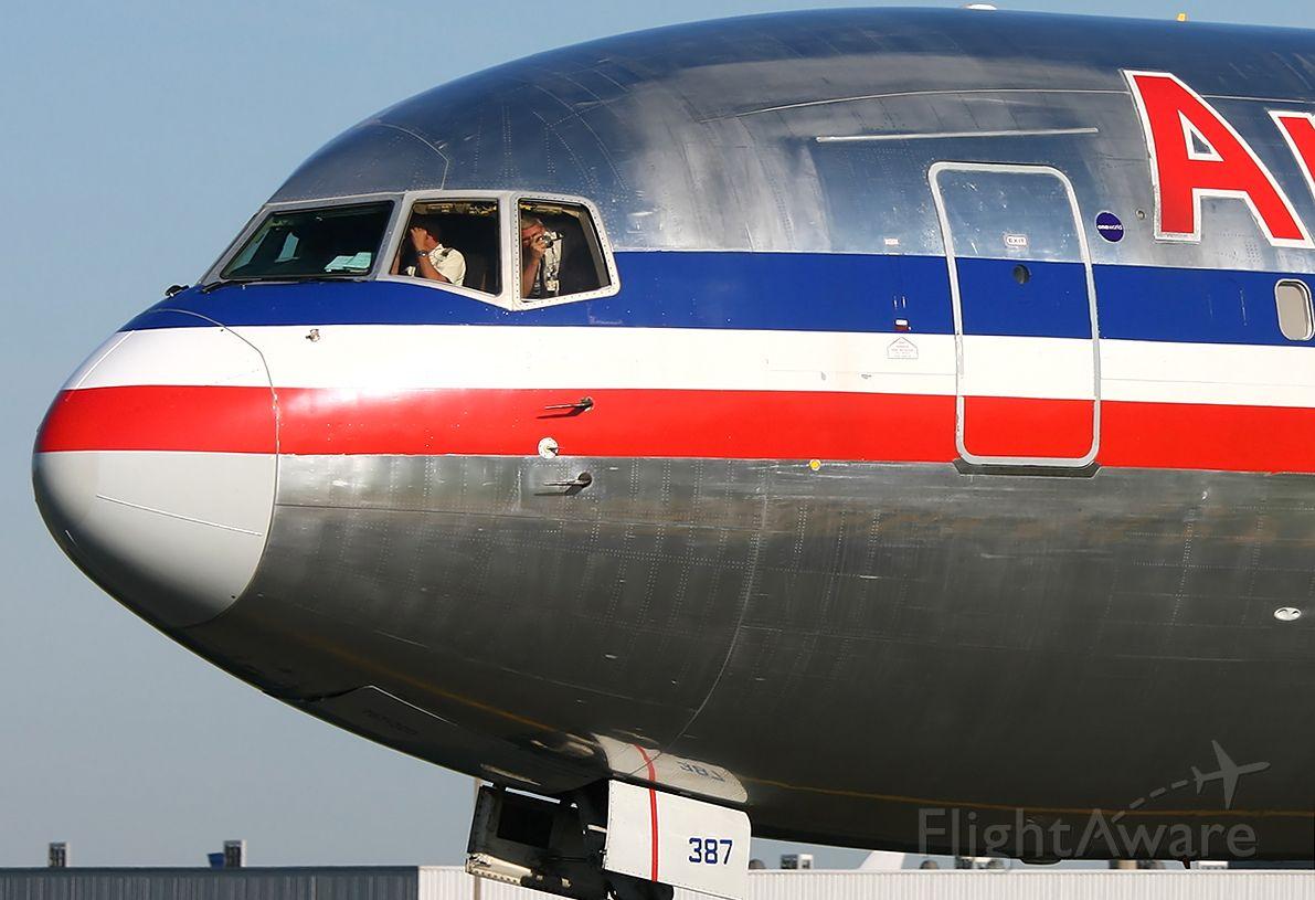 BOEING 767-300 (N387AM)