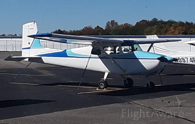 Cessna Skyhawk (N8210B)