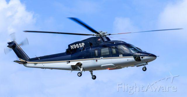 Sikorsky S-76 (N96SP) - N96SP inflight at TNCM St Maarten.<br />22/12/2018