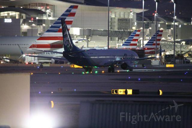 Boeing 737-900 (N278AK)