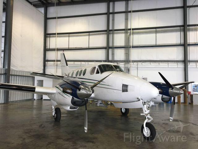 Beechcraft King Air 90 (N17VC)