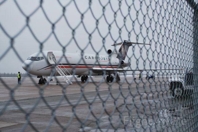 BOEING 727-200 —