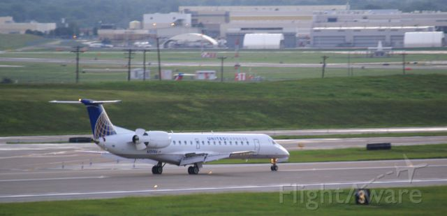 Embraer ERJ-145 (N15986)