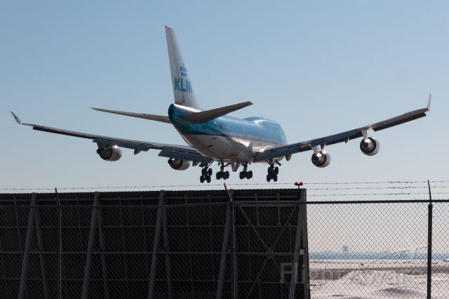 Boeing 747-200 (PH-BFL) - REAR VIEW / JUMBO!