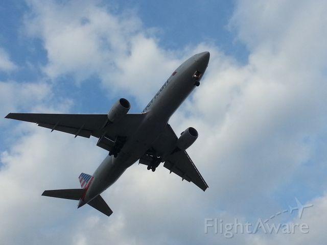 Boeing 777-200 (N785AN)