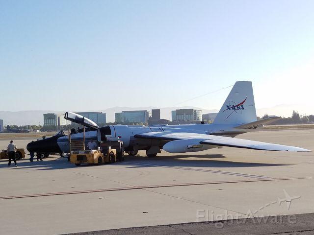 Martin WB-57 (N927NA) - NASA