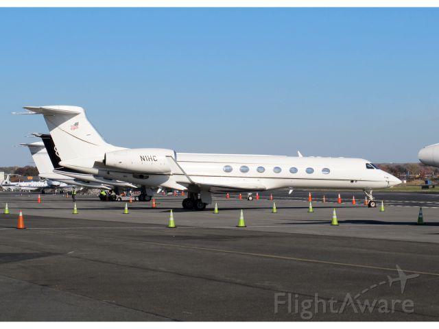 Gulfstream Aerospace Gulfstream V (N1HC) - First class of business aviation.