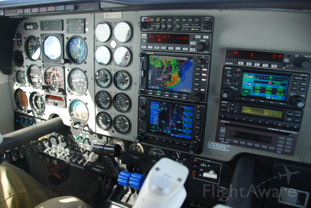Beechcraft Baron (58) (N501CE)
