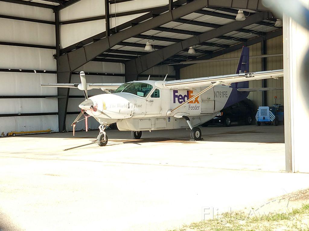 Cessna Caravan (N761FE)