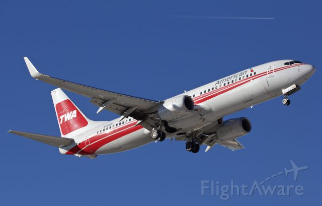 """Boeing 737-800 (N915NN) - TWA heritage bird on final (please view in """"full"""" for highest image quality)"""