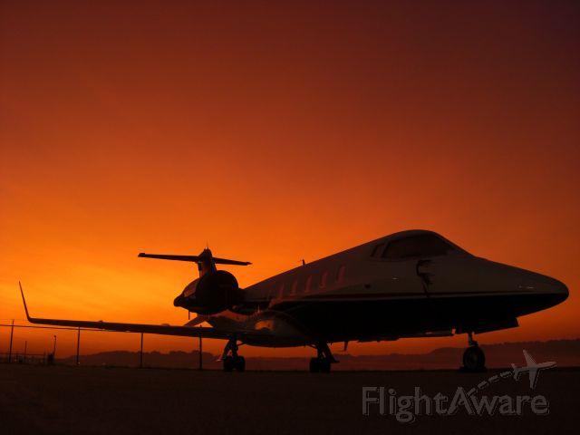 Learjet 60 (N808SK)