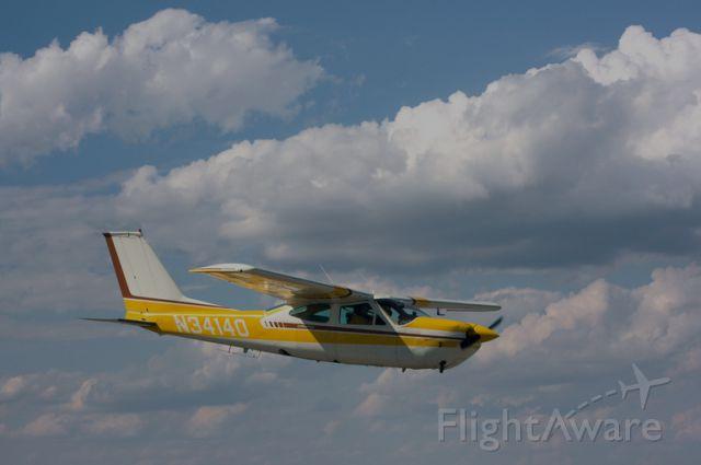 Cessna Skyhawk (N34140)