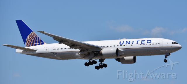 Boeing 777-200 (N216UA) - The first plane I got a shot of as an ORD newbie.  On 5/7/18.