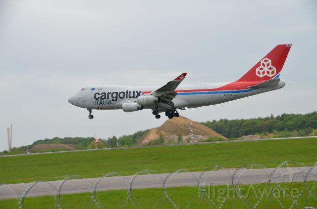 Boeing 747-400 (LX-YCV)