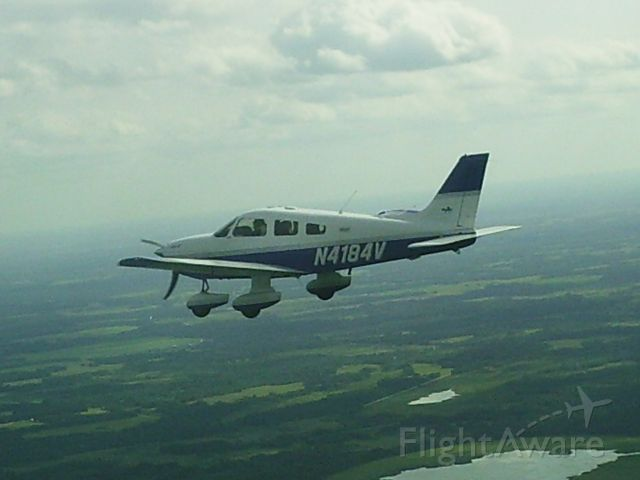 Piper Cherokee (N4184V)